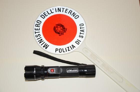 La torcia sequestrata dagli agenti della Polizia di Stato (© Questura di Biella)
