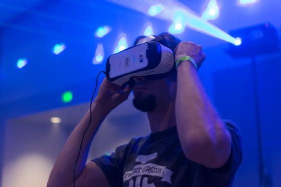 Realtà virtuale e aumentata: il futuro è nello smartphone (© Shutterstock.com)