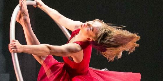 'Cirkopolis': l'armoniosa unione di circo, danza e teatro va di scena a Pordenone