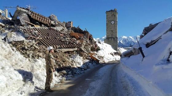 Due nuove forti scosse di terremoto in centro Italia (© ANSA/UFFICIO STAMPA MINISTERO DELLA DIFESA)