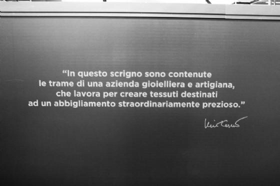 Frase di Nino Cerruti nello stand di Milano Unica Lanifico F.lli Cerruti