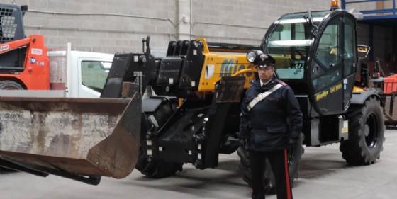 Una delle macchine operatrici recuperati (© Carabinieri)