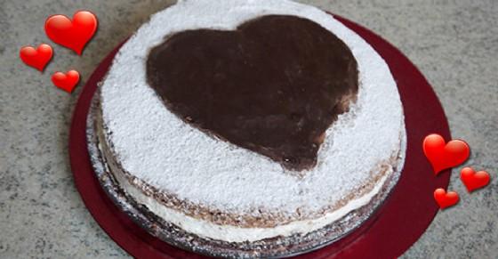Ricetta: Torta di San Valentino a base di ricotta e pere