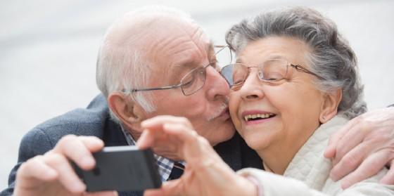 Torna l'iniziativa ''50 anni di vita insieme'' in occasione di San Valentino (© dobeStock | auremar)