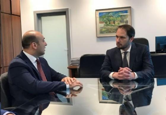 Mammad Ahmadzada (Ambasciatore Repubblica Azerbaigian a Roma) e Cristiano Shaurli (Assessore regionale Risorse agricole e forestali) (© Regione Friuli Venezia Giulia)