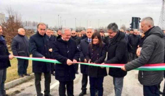 Taglio del nastro per la nuova bretella di Cervignano (© Regione Fvg)