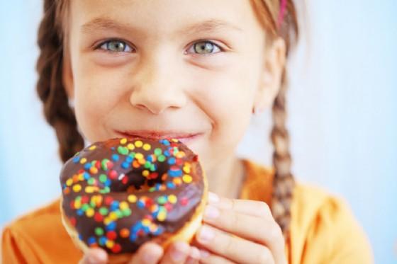 Troppo zucchero fa male al fegato dei bambini