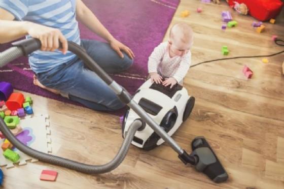 Babysitter condannata: praticava l'autoerotismo con i giocattoli di una bambina (© Adobe Stock)