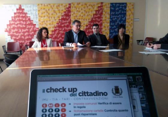 Un momento della conferenza stampa. Al centro l'assessore Gaido (© Comune di Biella)