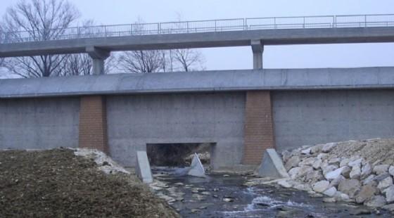 Lo sbarramento sul torrente Corno (© Causero)