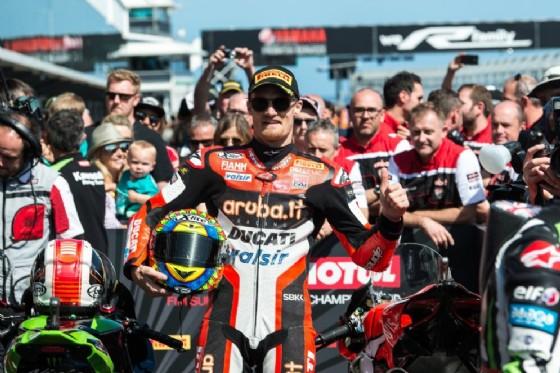 Chaz Davies festeggia il podio in Australia