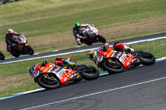Le due Ducati in lotta nell'appuntamento inaugurale del Mondiale Superbike