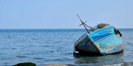Un peschereccio usato da migranti.