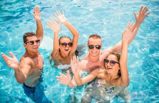 C'è pipì nella piscina dove nuoti? Ecco come capirlo