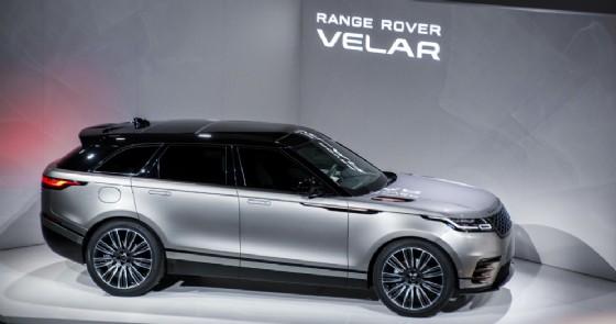 La prima mondiale della Range Rover Velar al Design Museum di Londra