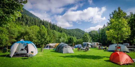 Contributi per i campeggi di montagna (© Adobe Stock)