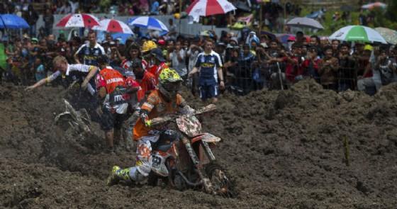 Tony Cairoli in azione nel Gran Premio d'Indonesia