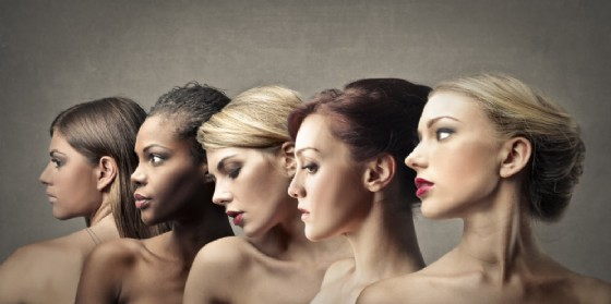 'Festa della donna': tra ieri e oggi (© AdobeStock | olly)