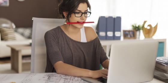Donne: poche dirigenti e stipendi più bassi dei colleghi maschi (© AdobeStock | gpointstudio)