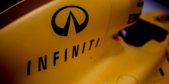 Il marchio Infiniti sulla monoposto Renault F1