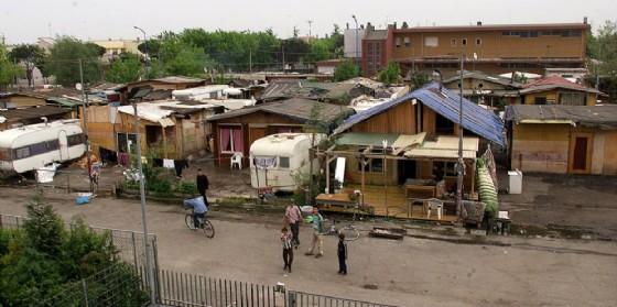 Rimini casette con veranda giardino e posto auto ai rom for Giardino rimini