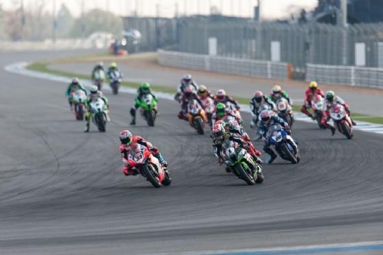 Melandri in testa al via della seconda manche del Mondiale Superbike a Buriram