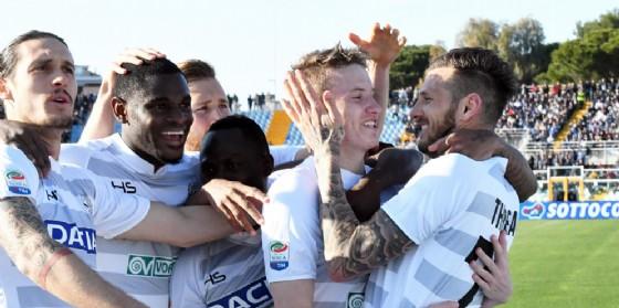 La gioia dei bianconeri a Pescara (© Ansa)