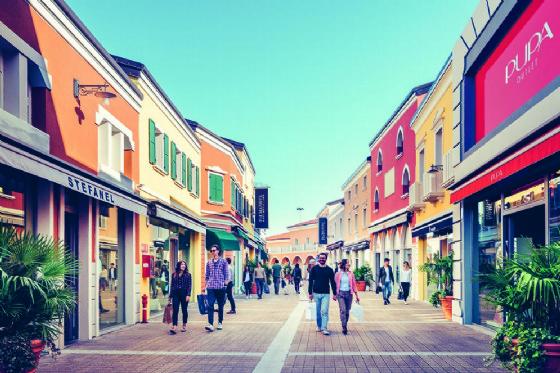 Il Palmanova Outlet Village punta sul turismo slow e sigla una convenzione con Di più (© Palmanova Outlet Village)