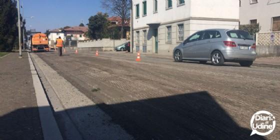 L'asfaltatura di viale Trigesimo (© Diario di Udine)