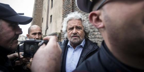 Il leader del Movimento 5 stelle, Beppe Grillo, querelato dal Partito democratico per un post sul suo blog (© Massimo Percossi | ANSA)