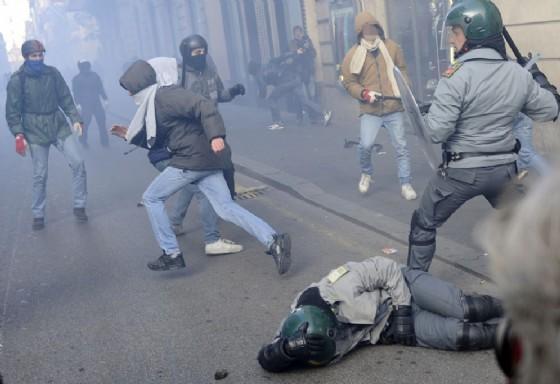 """La Camera ha approvato con 230 sì e 50 no il decreto legge sulla """"sicurezza integrata"""""""