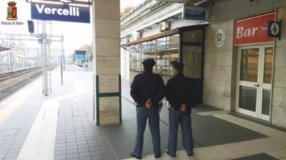 Agenti della Polizia ferroviaria (© Polizia di Stato - Vercelli)