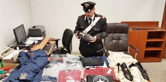 La merce sequestrata a Palmanova (© Carabinieri)