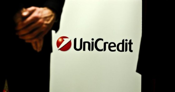 Unicredit riorganizza la rete commerciale in Italia.