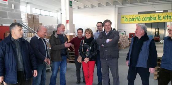 L'assessore Telesca in visita al Banco Alimentare (© Regione Friuli Venezia Giulia)