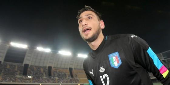 Gigio Donnarumma con la maglia della nazionale maggiore