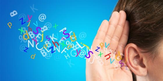 Depositata una proposta di legge per persone con disabilità uditive (© AdobeStock | BillionPhotos.com)