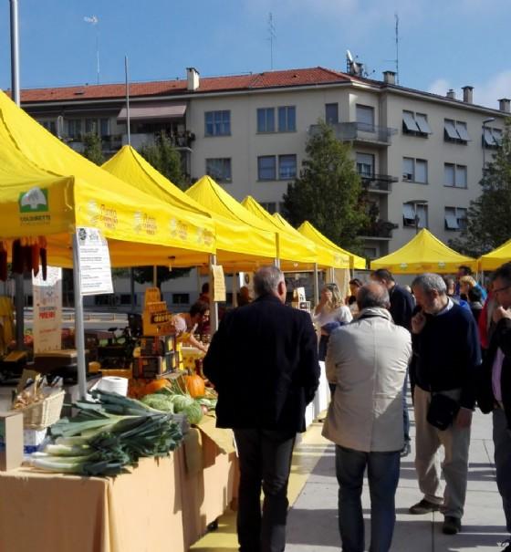 Piazza Risorgimento, mercato agricolo ogni giovedì pomeriggio (© Comune di Pordenone)