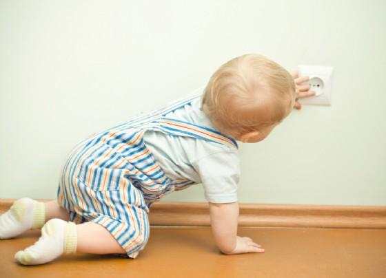 I pericoli in casa per il tuo bambino (© AlohaHawaii | Shutterstock)