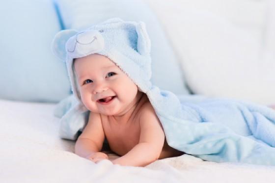 Elimination Communication: togliere il pannolino ai propri bambini (© FamVeld | Shutterstock)