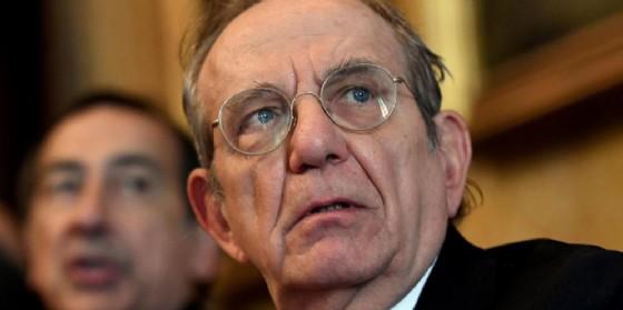 Il ministro dell'Economia, Pier Carlo Padoan. (© ANSA/DANIEL DAL ZENNARO)