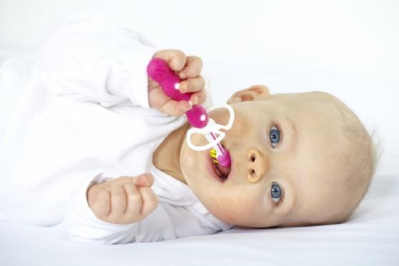Come insegnare ai bambini a lavarsi i denti (© Alena Haurylik | Shutterstock)