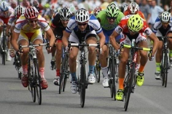 Viabilità in occasione della Gara ciclistica (© Adobe Stock)