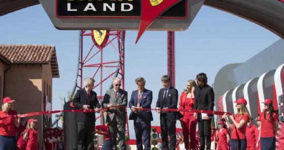 L'inaugurazione di Ferrari Land con Piero Ferrari (© Ferrari)