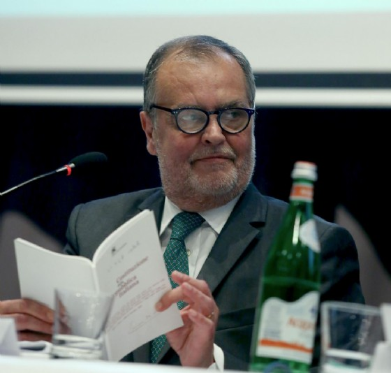 Il vicepresidente leghista del Senato, Roberto Calderoli (© ANSA/ FABIO CAMPANA)