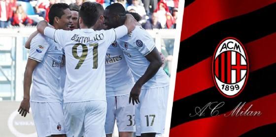 I calciatori del Milan con la divisa bianca (© Ansa)