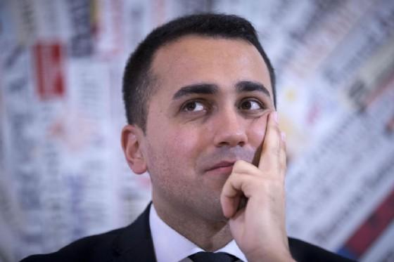 Il vicepresidente della Camera, Luigi Di Maio, nella bufera dopo un post su romeni e criminalità