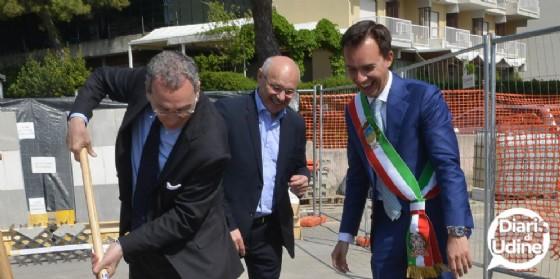 Posa della prima pietra per il lungomare di Lignano (© Diario di Udine)