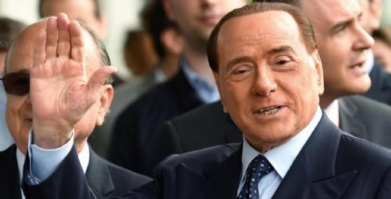 Silvio Berlusconi. (© ANSA/ DANIEL DAL ZENNARO)