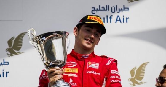 Charles Leclerc sul podio di gara-1 in Bahrein
